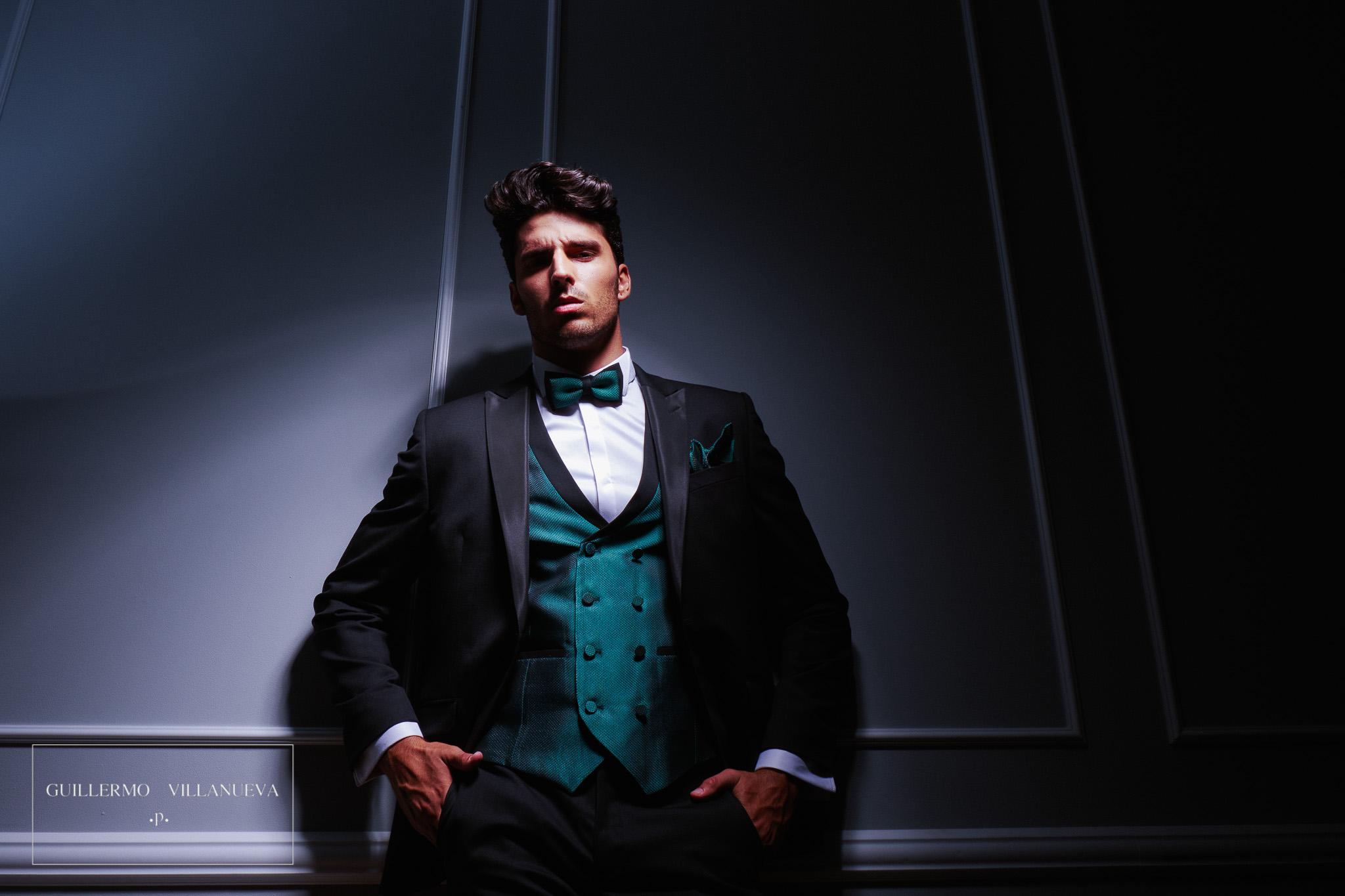 a08bda69a Agrandar ·. traje de novio entallado negro modelo Clavel ...